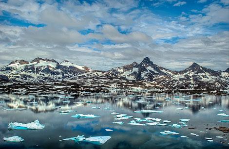 Greenland-iceberg-maxabroad-1